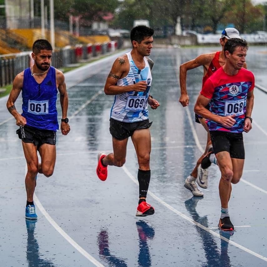 Fabian Correa carrera final nacional 10000 metros foto2