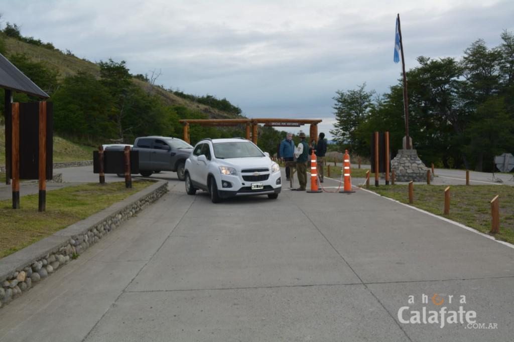 Turistas en el Glaciar6 [AUDIO FMD]