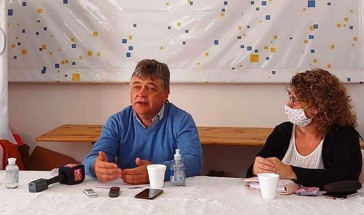 Foto 1 Gabriel Oliva en la conferencia de prensa de Encuentro Ciudadano